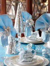 Stylish silver and white christmas table centerpieces ideas 24
