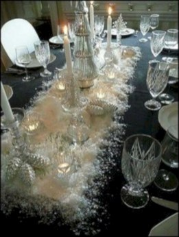 Stylish silver and white christmas table centerpieces ideas 29