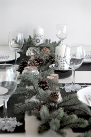 Stylish silver and white christmas table centerpieces ideas 42
