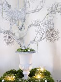 Stylish silver and white christmas table centerpieces ideas 45