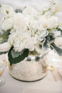 Totally adorable white christmas floral centerpieces ideas 06