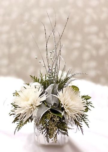 Totally adorable white christmas floral centerpieces ideas 13