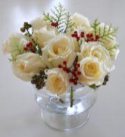 Totally adorable white christmas floral centerpieces ideas 14