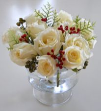Totally adorable white christmas floral centerpieces ideas 14