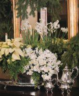 Totally adorable white christmas floral centerpieces ideas 17