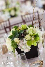 Totally adorable white christmas floral centerpieces ideas 36