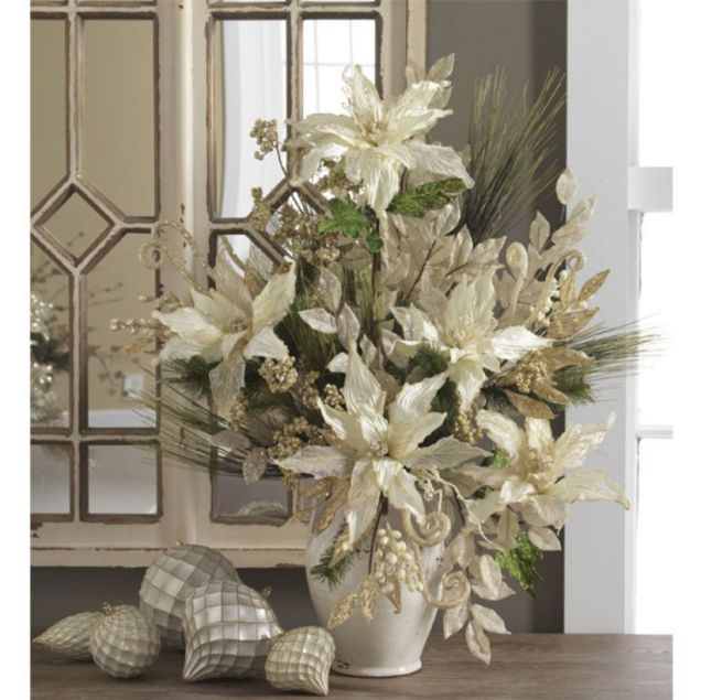 Totally adorable white christmas floral centerpieces ideas 47