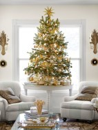 Totally inspiring small christmas tree decoration ideas for space saving 03