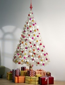 Totally inspiring small christmas tree decoration ideas for space saving 20