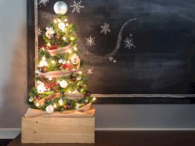 Totally inspiring small christmas tree decoration ideas for space saving 36