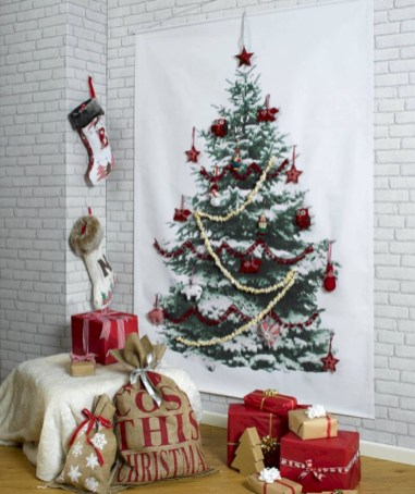 Totally inspiring small christmas tree decoration ideas for space saving 41