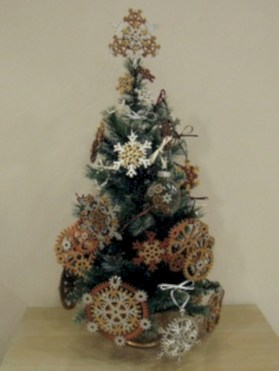 Unusual black christmas tree decoration ideas 27