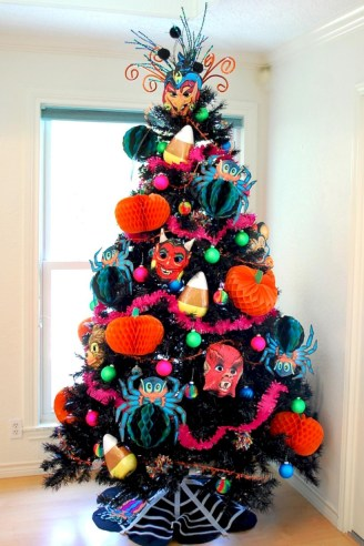 Unusual black christmas tree decoration ideas 34