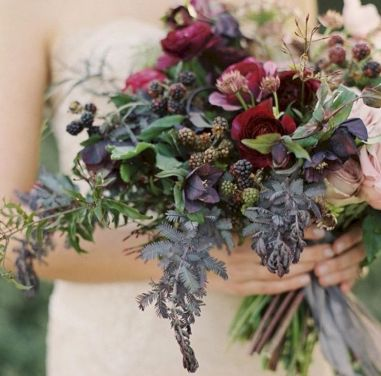 Wonderful winter wedding bouquets ideas you will love (1)