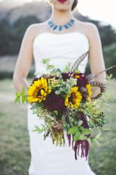 Wonderful winter wedding bouquets ideas you will love (23)