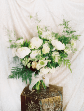 Wonderful winter wedding bouquets ideas you will love (24)