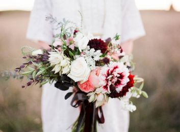 Wonderful winter wedding bouquets ideas you will love (3)