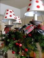 Adorable christmas chandelier decoration ideas 20