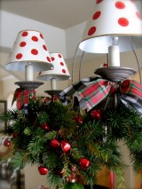 Adorable christmas chandelier decoration ideas 20