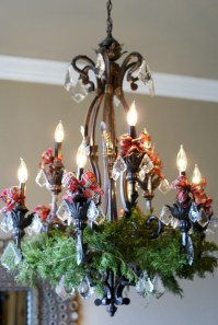 Adorable christmas chandelier decoration ideas 22