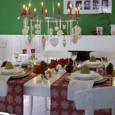 Adorable christmas chandelier decoration ideas 30