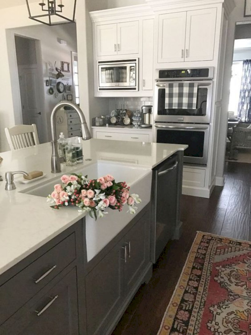 Adorable grey and white kitchens design ideas 26