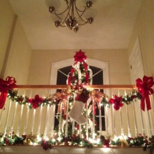 Awesome christmas decoration ideas for your balcony 10