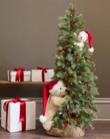 Beautiful and charming tabletop christmas trees decoration ideas 14