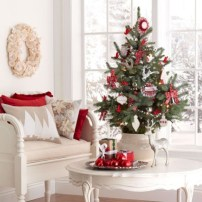 Beautiful and charming tabletop christmas trees decoration ideas 17