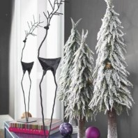 Beautiful and charming tabletop christmas trees decoration ideas 23