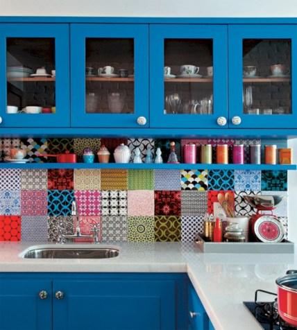 Bright and colorful kitchen design ideas 09