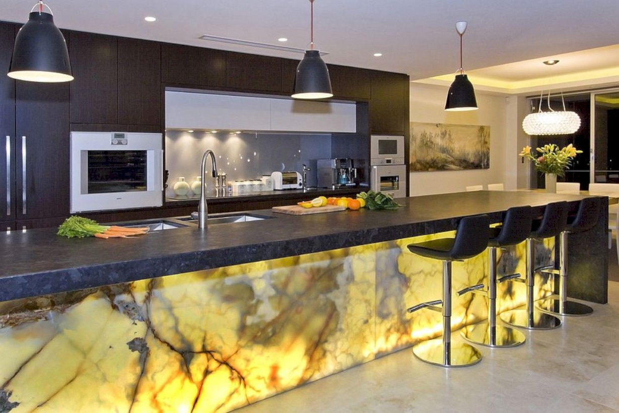 37 Bright and Colorful Kitchen Design Ideas