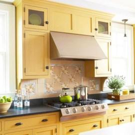Bright and colorful kitchen design ideas 33