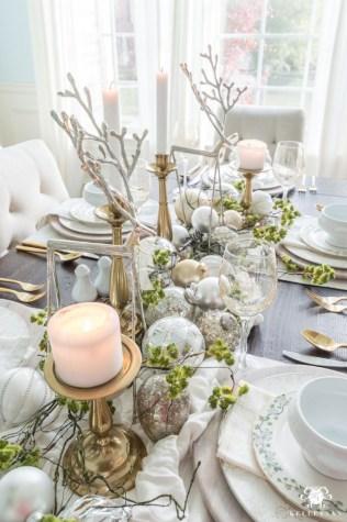 Charming winter centerpieces decoration ideas 29