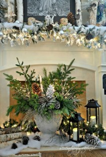 Cool christmas fireplace mantel decoration ideas 07