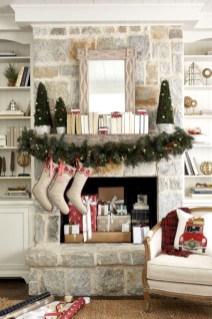Cool christmas fireplace mantel decoration ideas 26