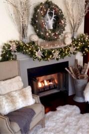 Cool christmas fireplace mantel decoration ideas 29