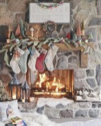 Cool christmas fireplace mantel decoration ideas 35