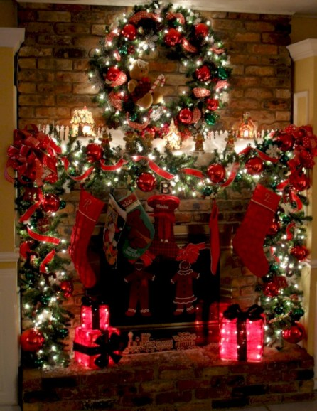 Cool christmas fireplace mantel decoration ideas 40