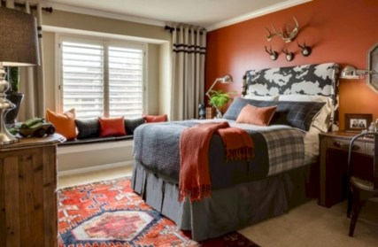 Cozy bedrooms design ideas with brilliant accent walls 14