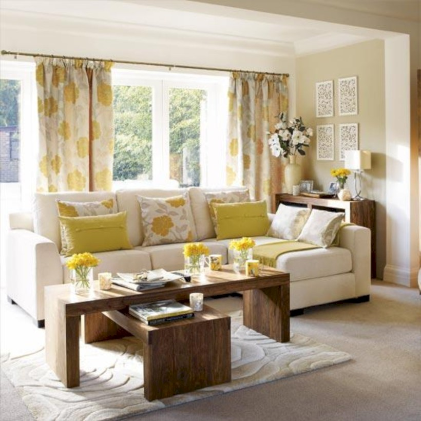 Gorgeous yellow accent living rooms inspiration ideas 44