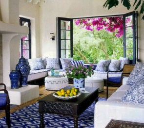 Relaxing moroccan living room decoration ideas 21