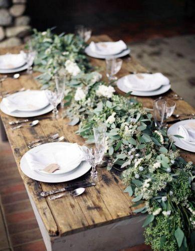 Simple rustic christmas table settings ideas 13