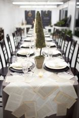 Simple rustic christmas table settings ideas 14