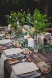 Simple rustic christmas table settings ideas 24