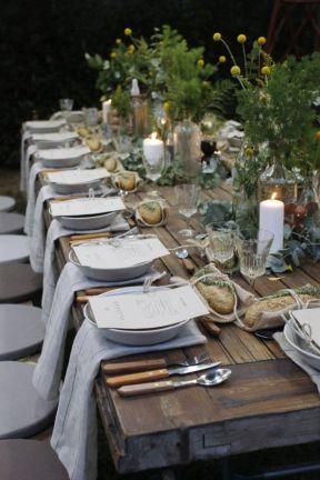 Simple rustic christmas table settings ideas 27