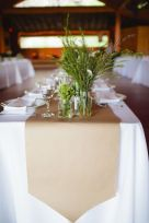Simple rustic christmas table settings ideas 28