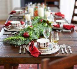 Simple rustic christmas table settings ideas 36