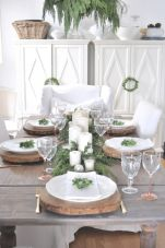 Simple rustic christmas table settings ideas 39