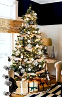 Stunning indoor rustic christmas decoration ideas 13